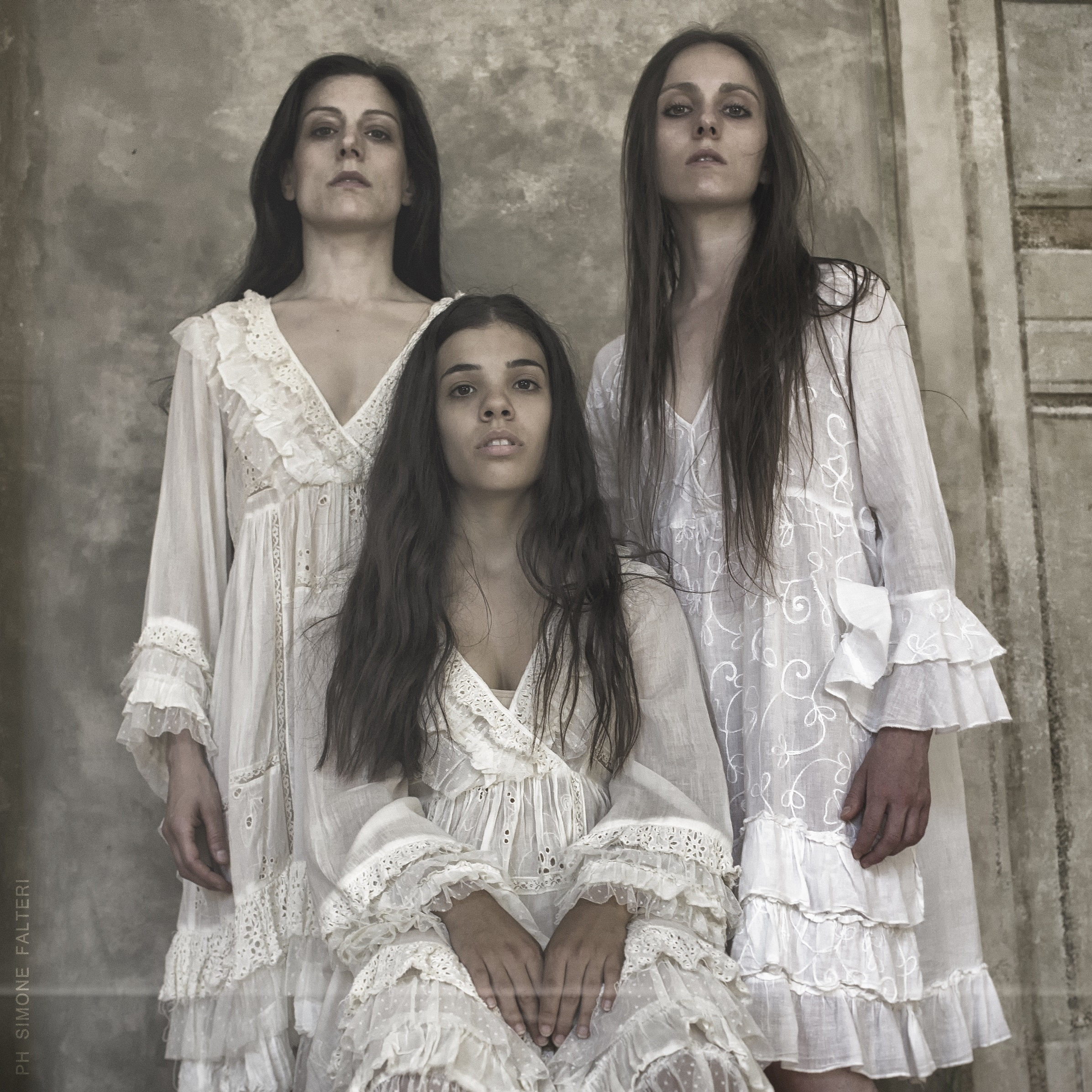 """""""Nata femmina"""", l'universo femminile secondo Paola Vezzosi"""