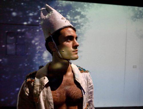 L'acrobata: l'ultimo testo di Laura Forti in scena al teatro dell'Elfo di Milano
