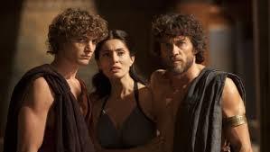"""Niels Schneider (Telemaco), Caterina Murino (Penelope) ed Alessio Boni (Ulisse) nella fiction """"Il ritorno di Ulisse"""""""